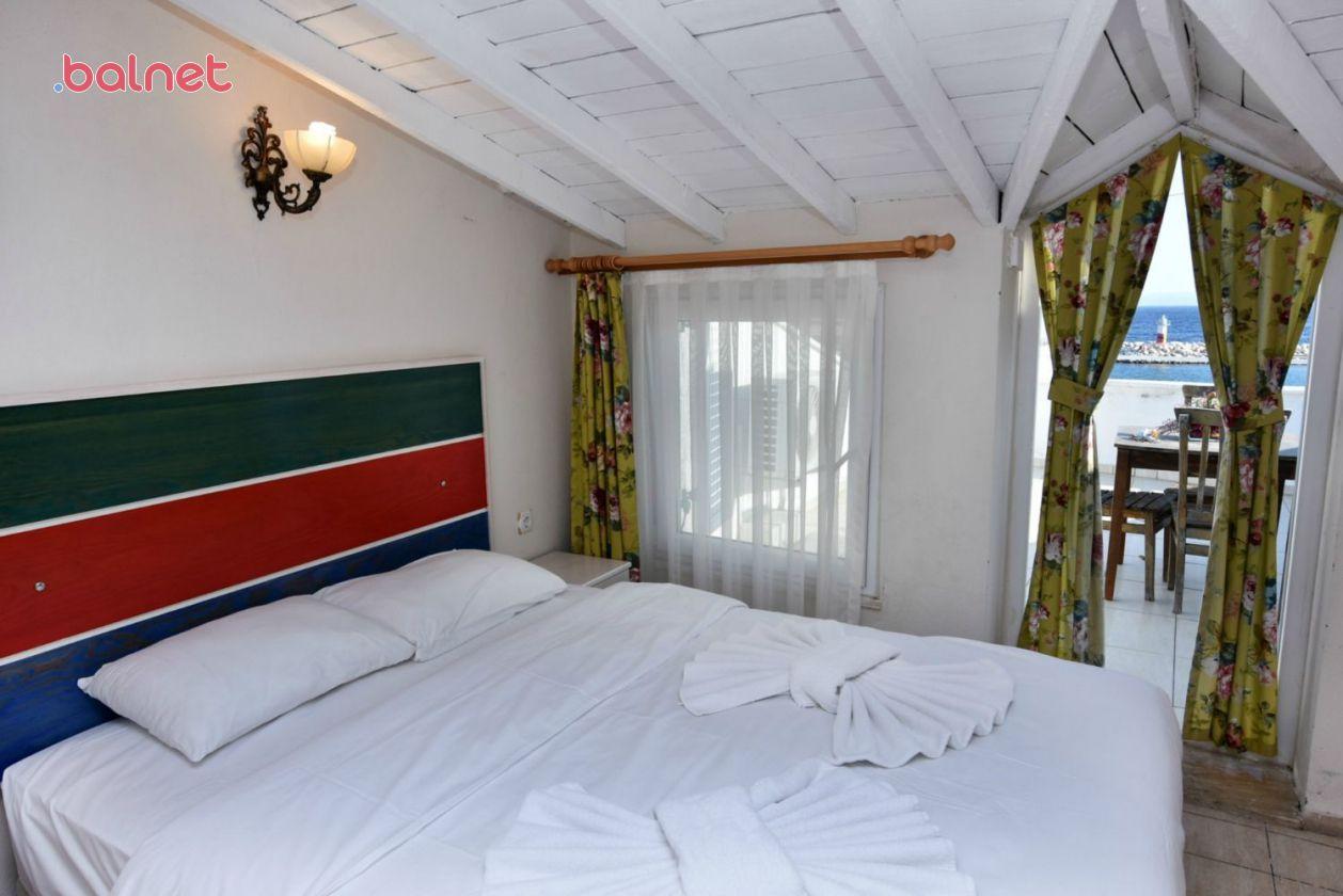 Çatı Katı Odamızdan Deniz Manzaras