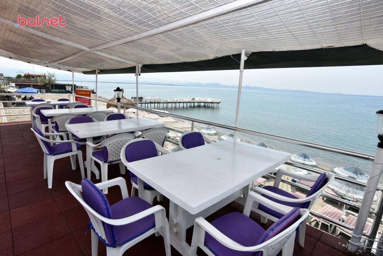 Teras Cafe ve Deniz Manzarası