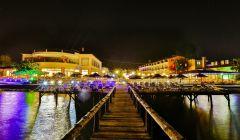 İskelemiz ve Otelimizden Gece Manzarası