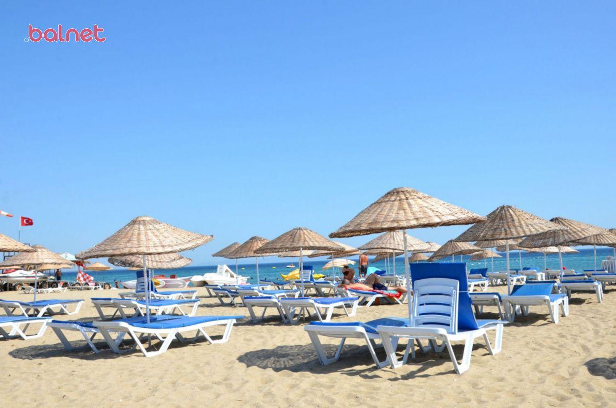 Sarımsaklı Plajında Şezlonglarımız