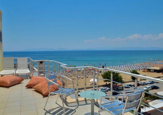 Teras Odalarımızın Balkonundan Sarımsaklı Plajı