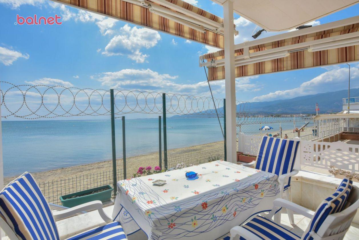 Üç Kişilik Deniz Manzaralı Odamızın Balkonu