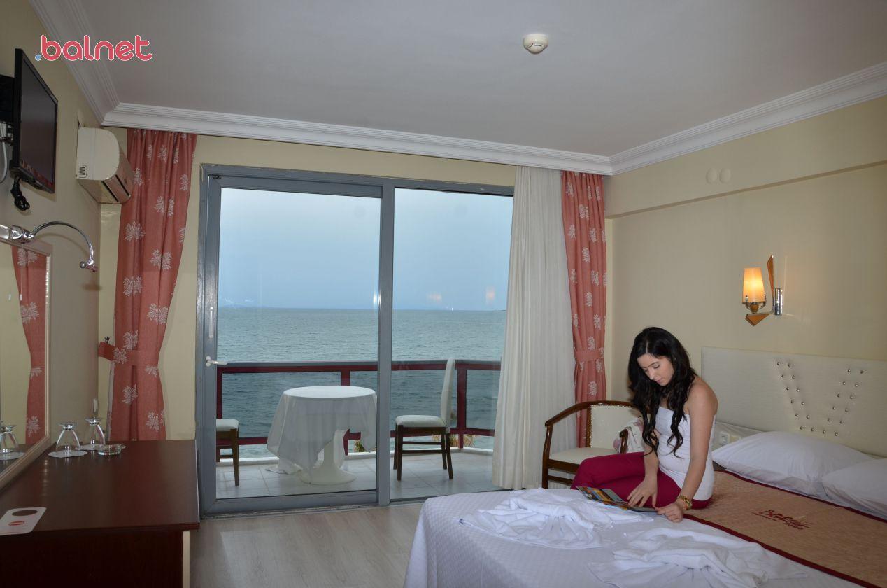 Çift Kişilik Odalarımızdan Deniz Manzarası