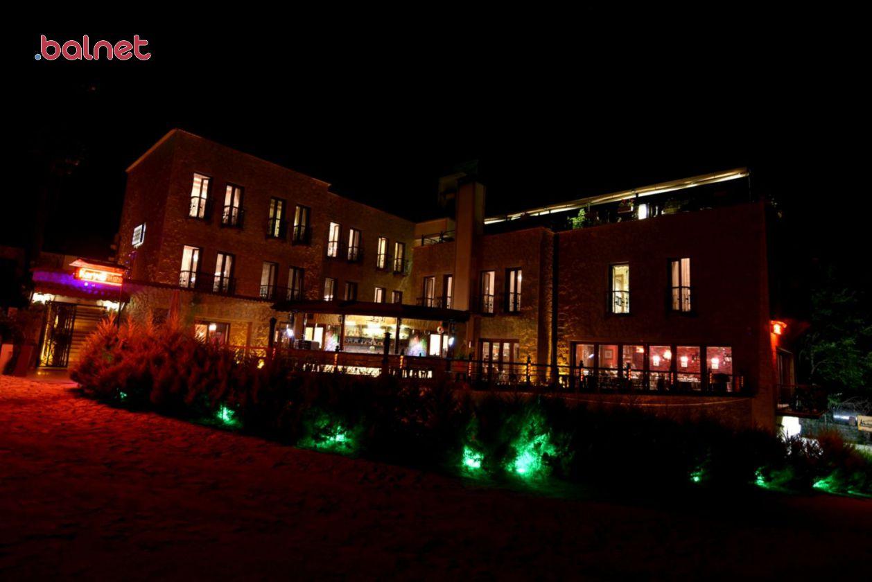 Otelimizden Gece Görünümü