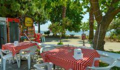 Cafe ve Deniz Manzarası