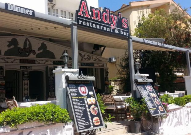 Andy`s Apart Hotel Girişi