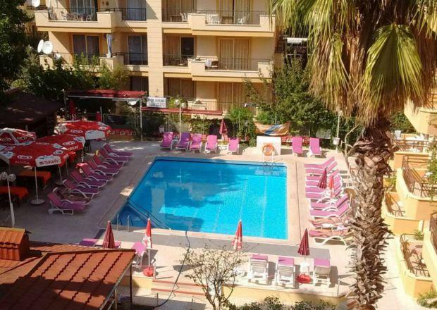 Apart Hotel ve Havuz