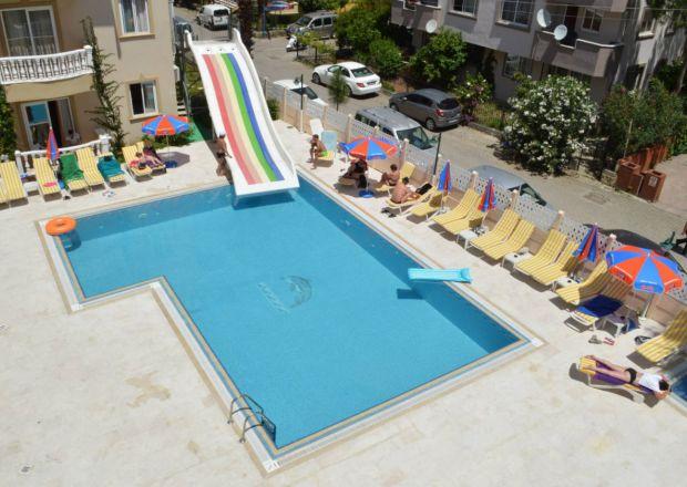 Isla Apart açık yüzme havuzu