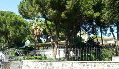 Kyme Otel Girişi