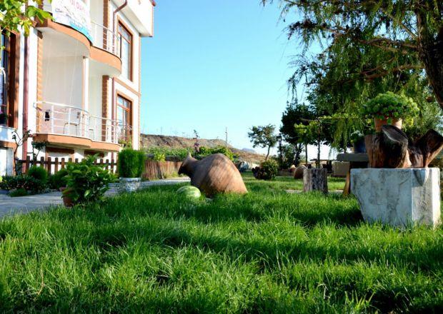 Bahçemiz ve Apartımız