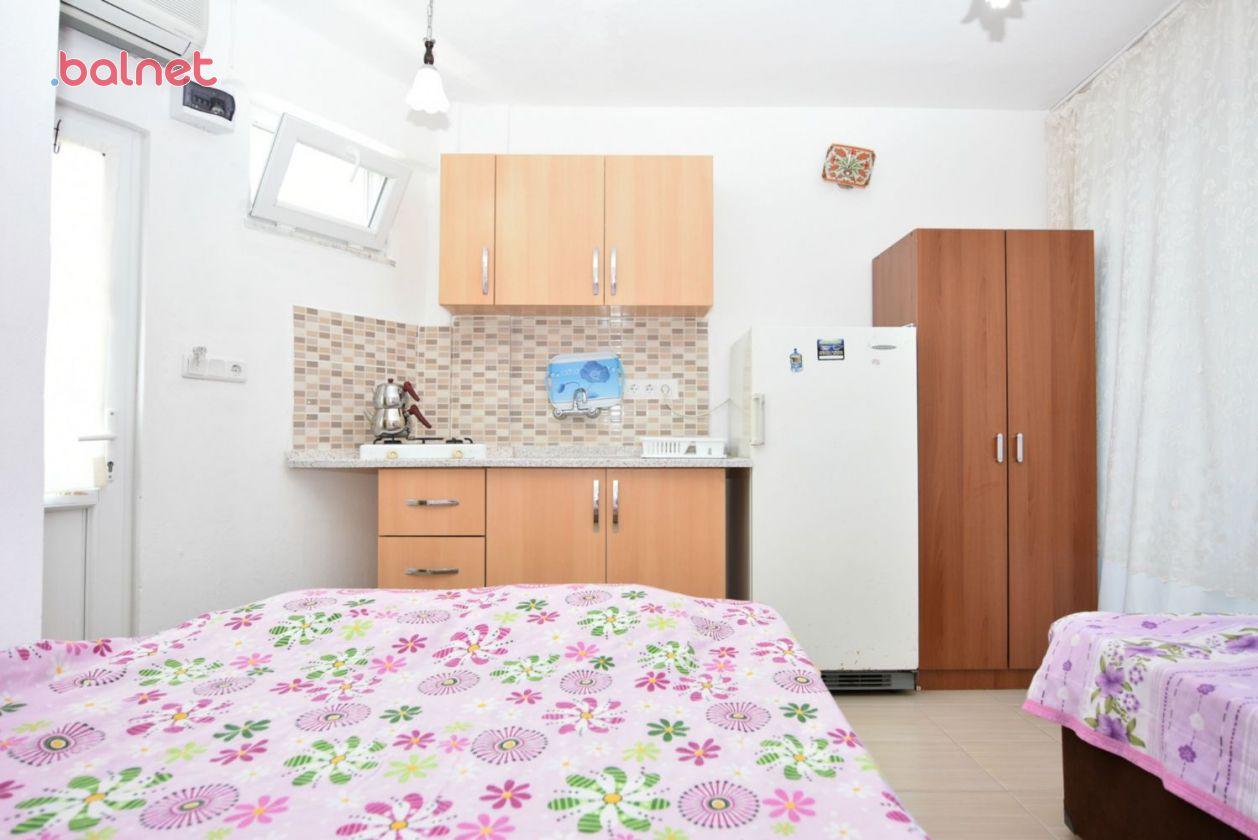Üç Kişilik Apart Odalarımız ve Mutfak